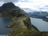 Nórska národná túra, prechod hrebeňa Bessegen nad jazerom Gjende...