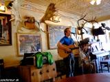 V bare v Dawson City...