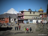 Pohľad na osemtisícovku Dhaulagiri z Muktinathu...