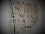 Nápis Jimi Hendrixa na stene hotelíka...