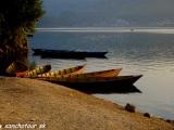 Jazero Fewa Lake v Pokhare...