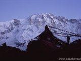 Ráno pod južnou stenou Annapurny...