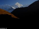 Západ slnka nad Annapurnou III a Gangapurnou...