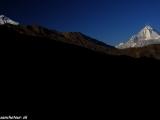 Osemtisícovka Dhaulagiri a Modrá hora Nilgiri z Muktinathu...