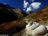 Chodník smerom do B.C. pod sedlom Thorong la...