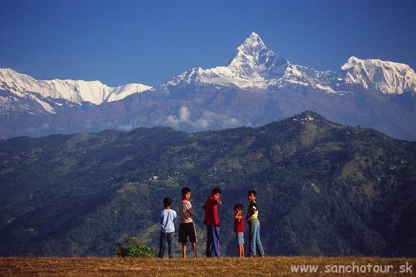 Posvätná hora Machapuchre nad Pokharou...