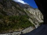 Vysekané cesty v skalách...