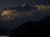 Východ slnka pod Annapurnou II....