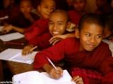 V kláštornej škole pre siroty...