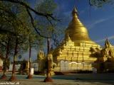 Chrámy v bývalom kráľovskom meste Mandalay...