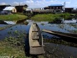 Život pri jazere Inle lake...