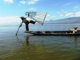 Inle Lake - celá  planéta  vtesnaná na hladinu  jazera...