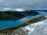 Cesta  cez Tibet, posvätné jazero Yamdrok Tso...