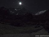 Dhaulagiri v noci...