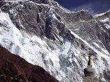 Jeden z prvých pohľadov na špičku M.Everestu...