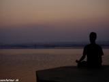 Ráno na rieke Ganga vo Varanási...