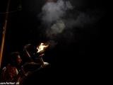 Večerné ceremónie svetiel pri Gange...