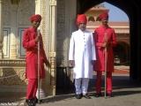 Pred vchodom do Mestského paláca...