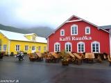 V malom rybárskom prístave na severe Islandu....