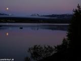 Polnočná nálada na severovýchode Islandu v mestečku Egilstadir...
