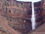 Vodopád Hengifoss, severovýchodný Island...
