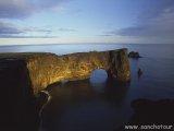Mys  Dyrhólaey - najjužnejšie miesto Islandu...