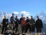 Náš team niekde nad Namche Bazarom...