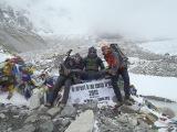 V base campe pod M. Everestom...
