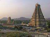 Karnátaka / Hampi - chrám Virupakša...