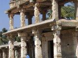 Hampi – ruiny ,, Mesta Víťazstva,, hlavného mesta juhoindickej ríše Vijayanagara....