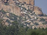 Hampi  - na bielo natretý Hanumanov chrám...