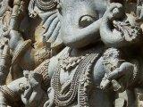 Halebid - skvostné detaily chrámu...
