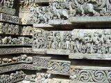 Príbehy indických eposov vytesané v kameni už vyše 800 rokov...