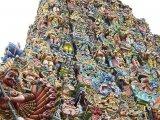 Madurai - chrám Mínakšíi s 50 metrovými gopurami....