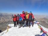 A je tu summit Stok Kangri vo výške 6123 metrov nad morom...