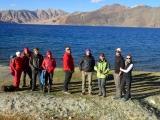 Na výlete pri vysokohorskom jazere Pangok Tso na hraniciach s Tibetom...