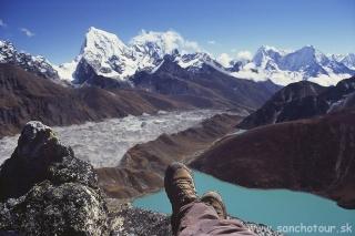 Aklimatizačný trek - na vrchole Gokyo Peaku...