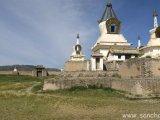 Brána do kláštora Erdenzú...