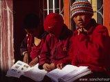 Mladí mnísi...