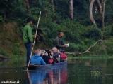 Plavba ráno po rieke Rhapti...