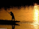 Západ slnka na rieke Rapti...