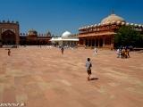 V piatkovej mešite vo Fatephur Sikri...