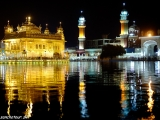 Zlatý chám v Amritsare - najposvätnejšie miesto náboženstva Sikhov...