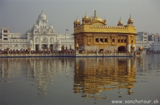 Zlatý chrám v Amritsare...