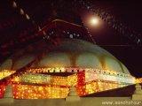 Vysvietená počas sviatku Budhových narodenín...