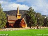 Drevený kostolík v Lome...