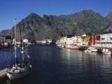 Prístav Henningsvær nazývaný aj Benátky severu...
