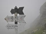Turistické značenie v rumunských horách...