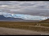 Cestou k Everestu vidím v strede horizontu panorámu Cho-Oyu (8 201m)