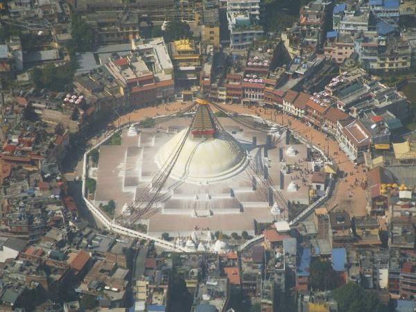 Pohľad na Budhanath v Káthmandú z lietadla...